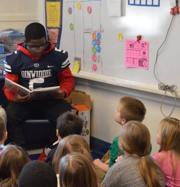 23FEB19 Athlete Reading to DES students